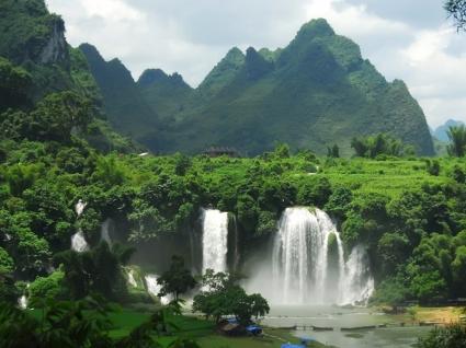 Ban Gioc Waterfall Wallpaper Vietnam World