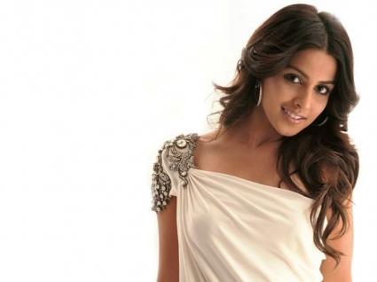 Bollywood Girl Genelia