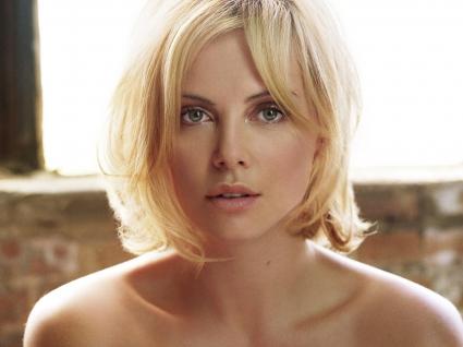 Charlize Theron (41)