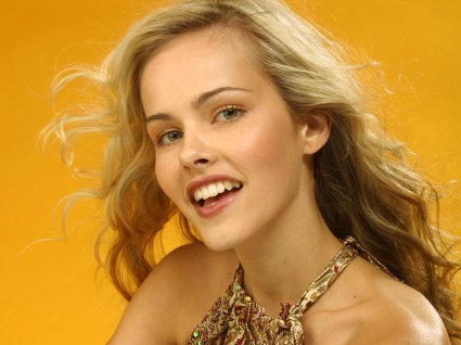 Daybreakers Actress Isabel Lucas