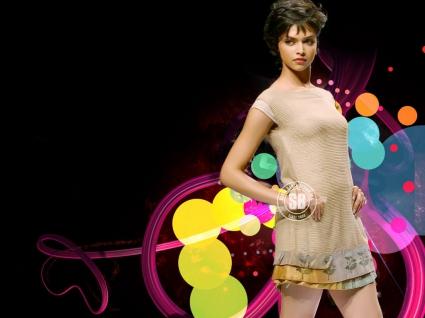 Deepika Padukone fashion show