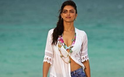 Deepika Padukone in Break Ke Baad
