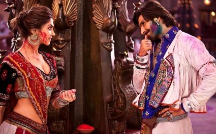 Deepika Padukone Ranveer Singh in Ram Leela