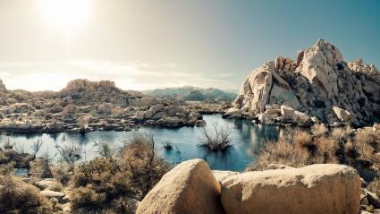Desert Rock Formations Lake National Park California US