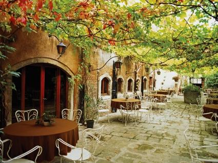 Dining Alfresco Venice  Italy