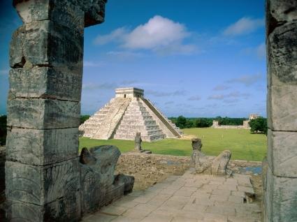 El Castillo Chichen Itza Wallpaper Mexico World