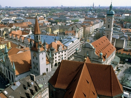Heiliggeistkirche and Old Town Hall Wallpaper Germany World