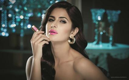Katrina Kaif Pink Lips