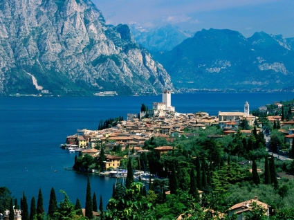 Lake Garda Wallpaper Italy World