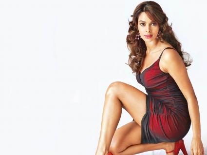 Mallika Sherawat Hot Bollywood Actress