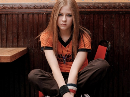 Pop Singer Avril Lavigne (5)