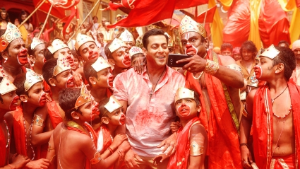 Salman Bajrangi Bhaijaan Selfie Le Le Re