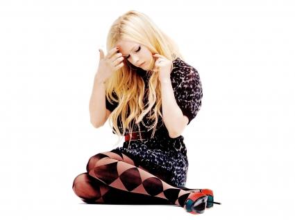 Singer Avril Lavigne 7