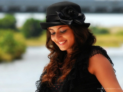 Sneha Ullal Great Smile
