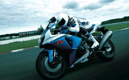 Suzuki GSX R1000 Action