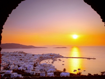The Cyclades Islands at Sundown Wallpaper Greece World