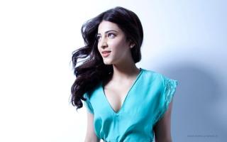 2015 Shruti Haasan