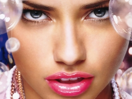 Adriana Lima Pretty Lips