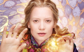 Alice Kingsleigh Alice Through the Looking Glass