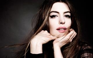 Anne Hathaway 2015