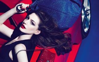 Anne Hathaway 2016
