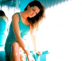 Anne Hathaway Cool