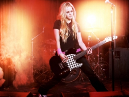 Avril Lavigne Rocking HD (2)