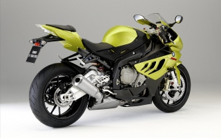 BMW 1000 RR Yellow