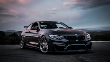 BMW M4 Coupe 4K