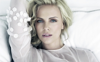 Charlize Theron 37