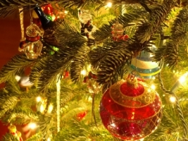 Christmas Tree Ornaments Wallpaper Christmas Holidays