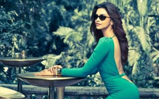 Deepika Padukone Vogue Eyewear