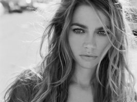 Denise Richards Black and White Wallpaper Denise Richards Female celebrities