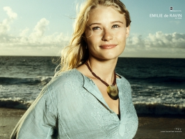 Emilie de Ravin as Claire in Lost