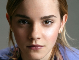 Emma Watson in Very Close HD