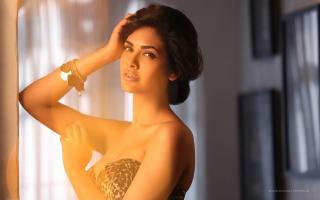 Esha Gupta India Bollywood