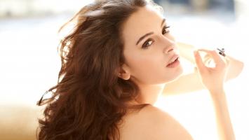 Evelyn Sharma 3