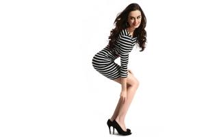 Evelyn Sharma 6