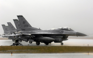 F 16 Fighting Falcons Operation Iraqi Freedom