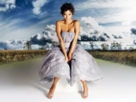 Halle Berry princess Wallpaper Halle Berry Female celebrities
