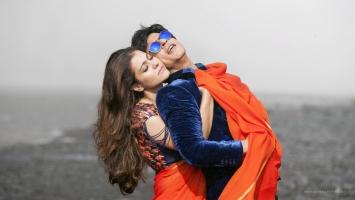 Kajal Shah Rukh Dilwale Gerua Song