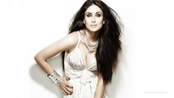 Kareena Kapoor 30
