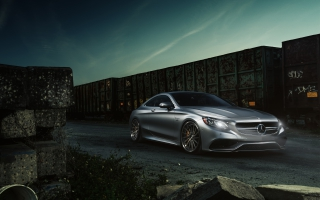 Mercedes Benz S63 AMG Luxury Sports Sedan