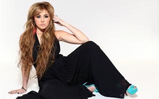 Miley Cyrus 82