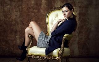 Phoebe Tonkin 3