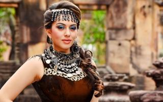 Puli Actress Hansika