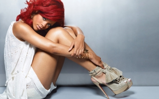 Rihanna Hot New