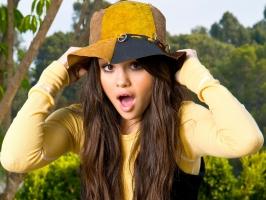 Selena Gomez 60