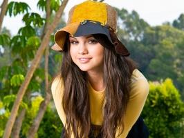 Selena Gomez 61