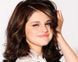 Selena Gomez 65